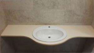 Столешница в ванную под раковину